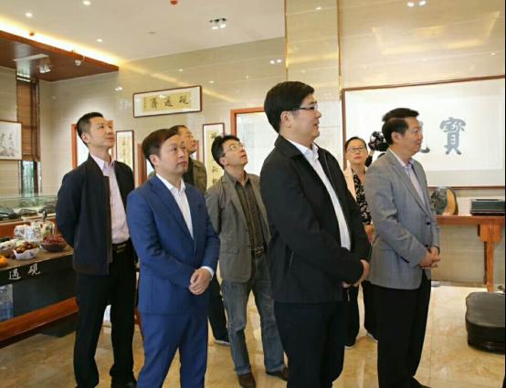 唐正荣随同江西省文联党组书记郑翔一行赴上饶市调研