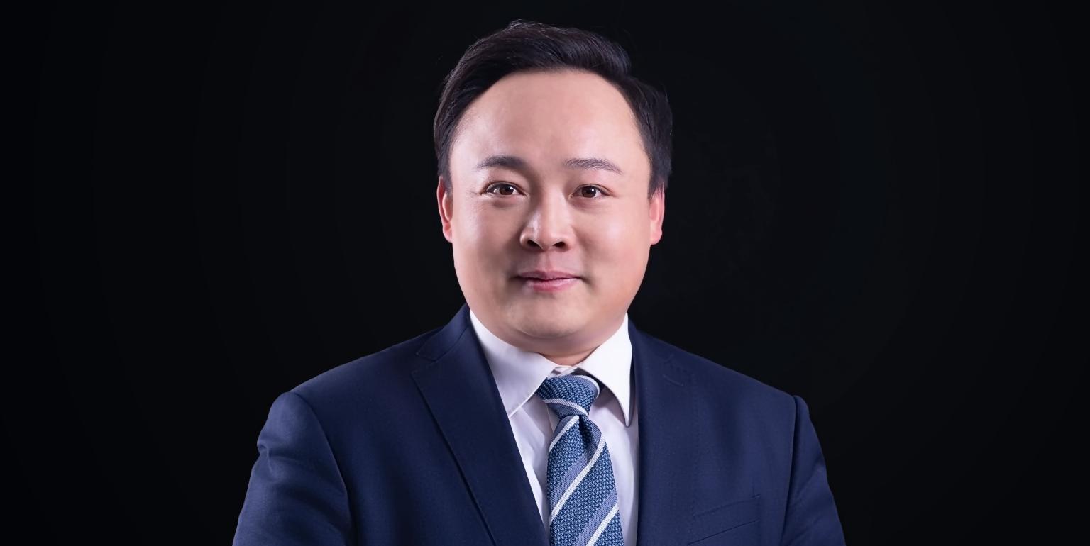 AG8手机集團聯合創始人、執行總裁曹明星