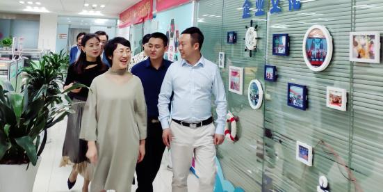 江西省委统战部副部长高鹰群一行莅临葫芦娃集团考察指导